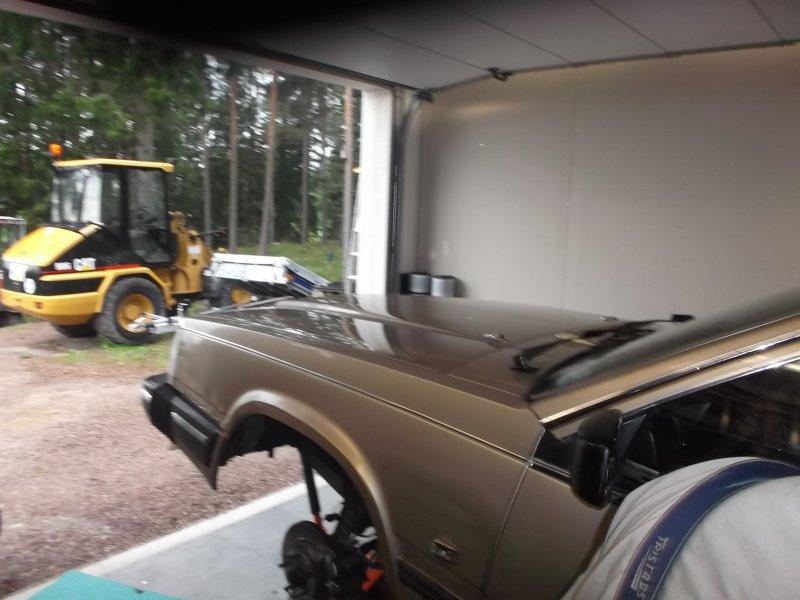 volvosweden.se/images/Volvo_Projekt/Bettan/Rostlagning/Svets%20rosth%C3%A5l%20%20v%C3%A4nster%20hjulhus%2011%20juni%20001.jpg