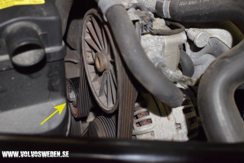 volvosweden.se/images/Volvo_guider_manualer/Guider/Byta_generator_Volvo%20S60_S80_V70_XC70_XC90/Byta_generator_Volvo%20S60_S80_V70_XC70_XC90%204.JPG