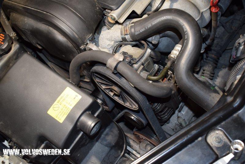 volvosweden.se/images/Volvo_guider_manualer/Guider/Byta_generator_Volvo%20S60_S80_V70_XC70_XC90/Byta_generator_Volvo%20S60_S80_V70_XC70_XC90%207.JPG