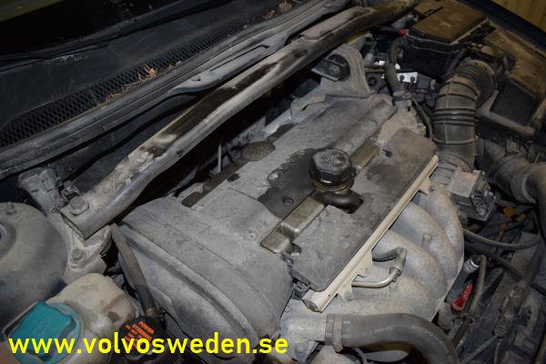 volvosweden.se/images/Volvo_guider_manualer/Guider/Byte%20av%20Lambdasond%20eller%20syresensor%20Volvo%20V70_S60_S80_XC70/Byte_av_fr%C3%A4mre_bakre_lambdasond_syresensor_Volvo_V70_S80_S60_XC70_2.JPG