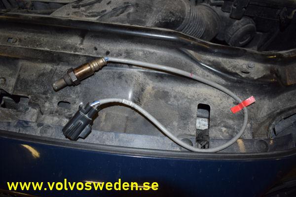 volvosweden.se/images/Volvo_guider_manualer/Guider/Byte%20av%20Lambdasond%20eller%20syresensor%20Volvo%20V70_S60_S80_XC70/Byte_av_fr%C3%A4mre_bakre_lambdasond_syresensor_Volvo_V70_S80_S60_XC70_4.JPG