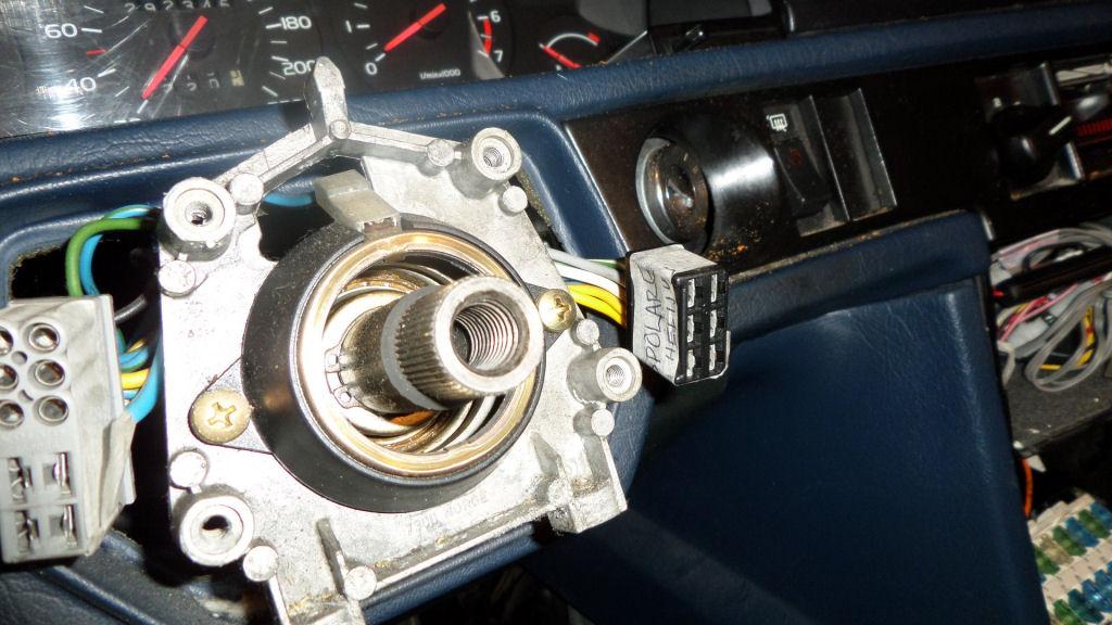 volvosweden.se/images/Volvo_guider_manualer/Guider/Demontera%20instrumentbr%C3%A4da%20Volvo%20740/SAM_2234.JPG