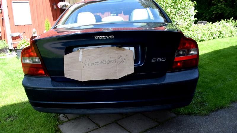 volvosweden.se/images/Volvo_guider_manualer/Guider/Hur%20man%20byter%20gasfj%C3%A4drar%20baklucka%20Volvo%20S60%20S80%20V70/Hur_man_byter_gasfj%C3%A4drar_baklucka_Volvo_S60_S80_V70_mm_bild_1.jpg