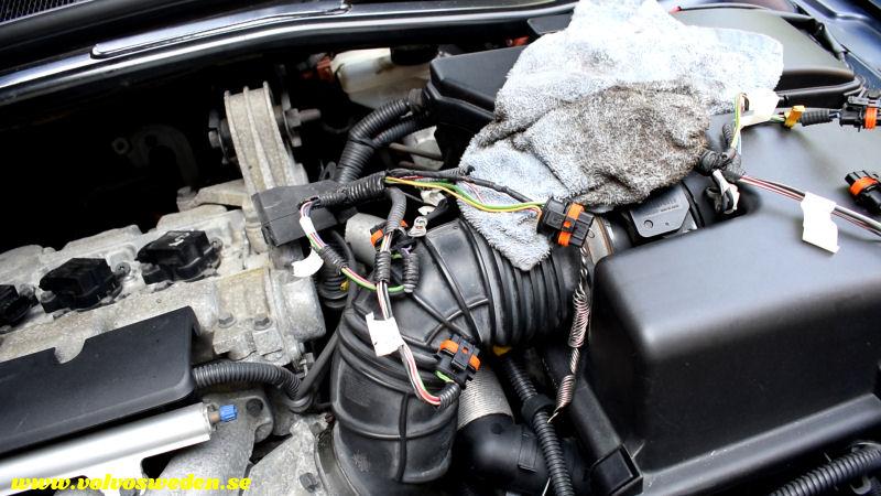 volvosweden.se/images/Volvo_guider_manualer/Guider/Hur-man-lagar-kabelbrott-till-t%C3%A4ndspolarna-Volvo-S80-V70-S60-XC70-XC90-C70-S40-V40/Laga-kabelskador-kabelbrott-till-t%C3%A4ndspolarna-Volvo-S80-V70-XC70-C70-S40-XC70-XC90_bild20.jpg
