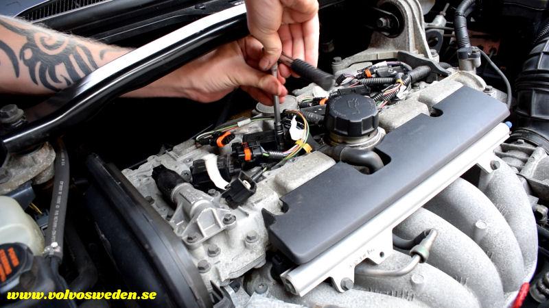 volvosweden.se/images/Volvo_guider_manualer/Guider/Hur-man-lagar-kabelbrott-till-t%C3%A4ndspolarna-Volvo-S80-V70-S60-XC70-XC90-C70-S40-V40/Laga-kabelskador-kabelbrott-till-t%C3%A4ndspolarna-Volvo-S80-V70-XC70-C70-S40-XC70-XC90_bild8.jpg