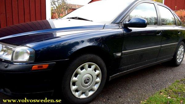 volvosweden.se/images/Volvo_guider_manualer/Guider/Hur_man_byter_framsk%C3%A4rm_volvo_s80_v70_s60/Hur_man_byter_framsk%C3%A4rm_front_fender_Volvo_S80_V70_S60_full_guide_how_to%20%2813%29.jpg