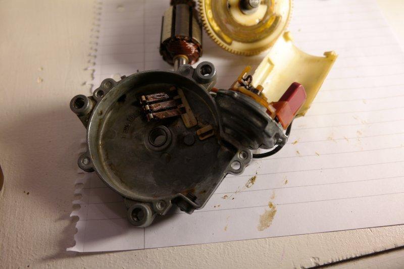 volvosweden.se/images/Volvo_guider_manualer/Guider/Renovering%20av%20bakre%20torkarmotor/Renovering_av_bakre_torkarmotor_bild_10_volvo_740_940.JPG