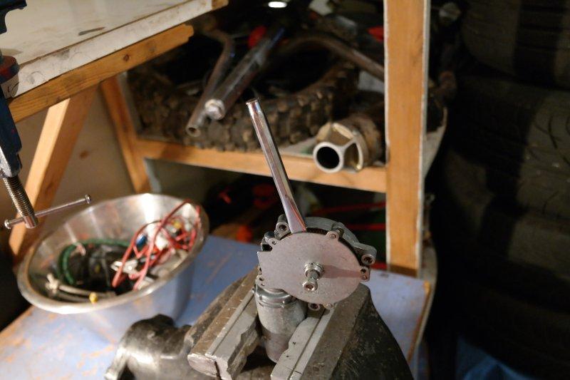 volvosweden.se/images/Volvo_guider_manualer/Guider/Renovering%20av%20bakre%20torkarmotor/Renovering_av_bakre_torkarmotor_bild_3_volvo_740_940.JPG
