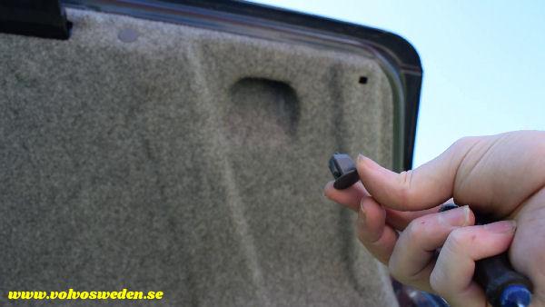 volvosweden.se/images/Volvo_guider_manualer/Guider_Artiklar/How-to-install-setup-a-wifi-rear-view-camera-on-your-car/Hur-man-monterar-wifi-backkamera-p%C3%A5-din-bil%20%2810%29.jpg